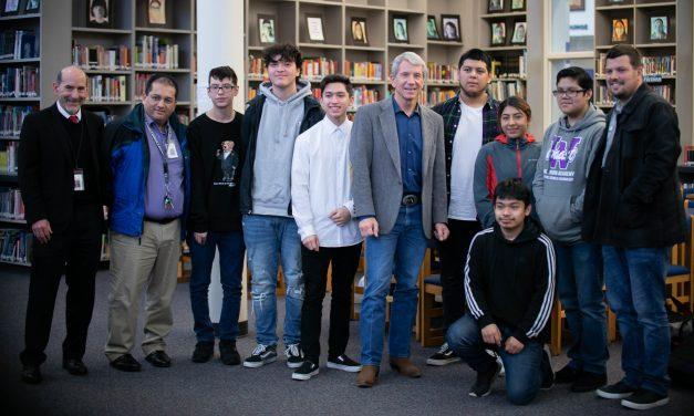 U.S. Representative Kurt Schrader visits students